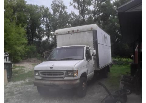 Ford E 350 Econoline Box Van