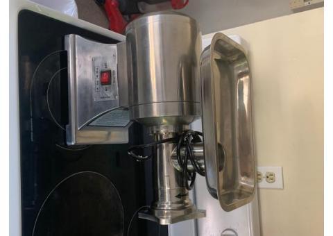 Meat grinder and electric slicer