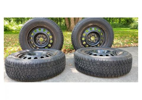 Snow tires (rims included)