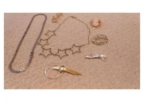 Collection of women's jewelry